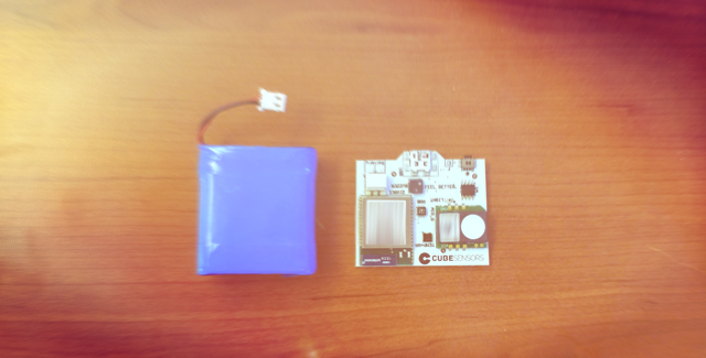CubeSensors PCB and battery